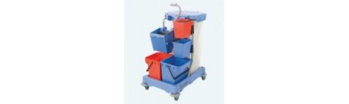 Seaux et chariot de menage lavage professionnel